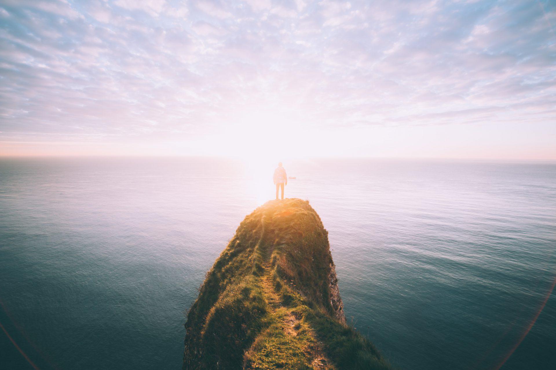 Wie Du ein starkes Selbstbewusstsein entwickelst – Zwei einfache Schritte