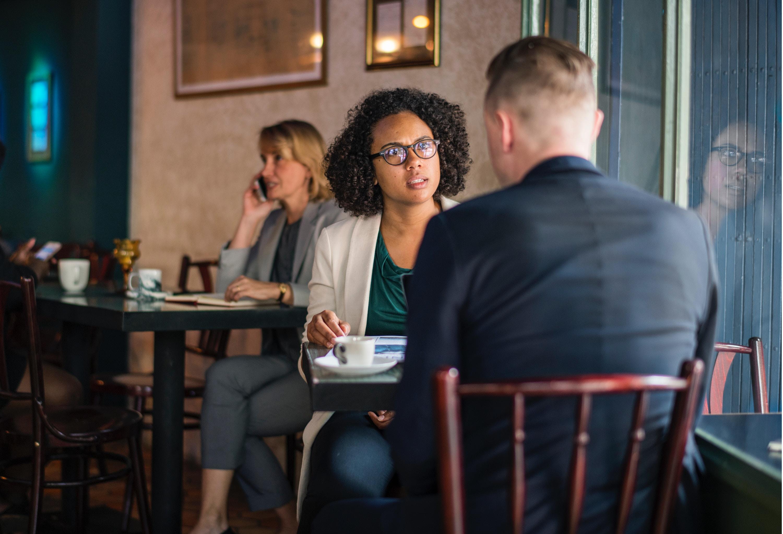 Angespannt beim Reden mit anderen? – Eine Abkürzung zur entspannten Unterhaltung